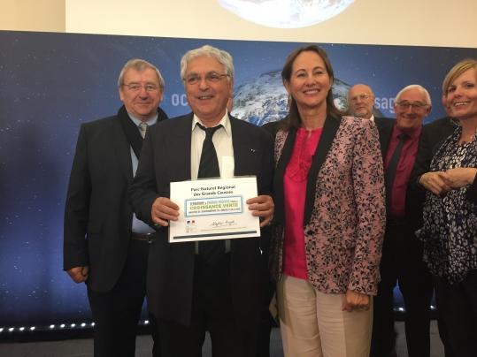 Christian Font président délégué du Parc reçoit le diplôme TEPCV
