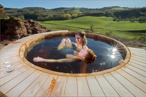 Séance de Watsu dans le bain nordique