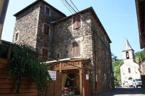 Gîte de La Tour + église
