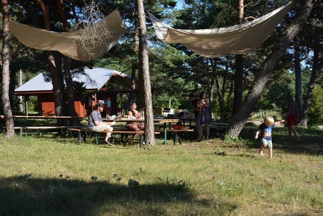 eco camping du larzac parc naturel r gional des grands. Black Bedroom Furniture Sets. Home Design Ideas